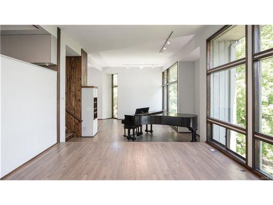 stunning Charles Winter designed Contemporary luxury properties