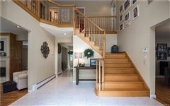 Mansions Luxurious living in Upper Grandview