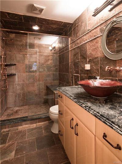 Luxurious living in Upper Grandview luxury real estate