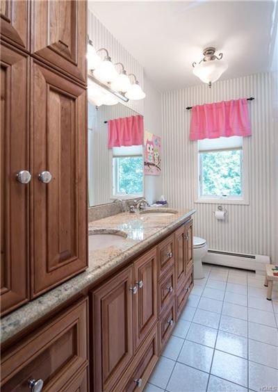 Luxurious living in Upper Grandview luxury properties
