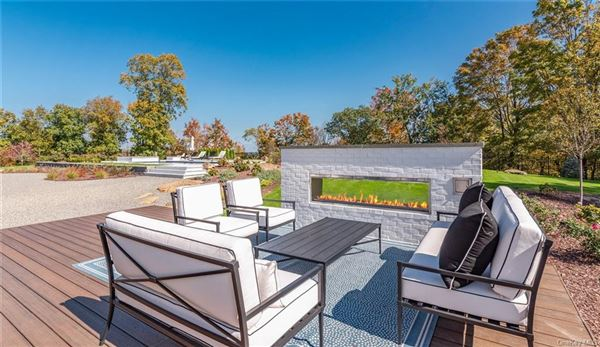Luxury real estate AVONLEA, located 25 minutes from NYC
