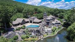 Luxury properties Gem on the lake