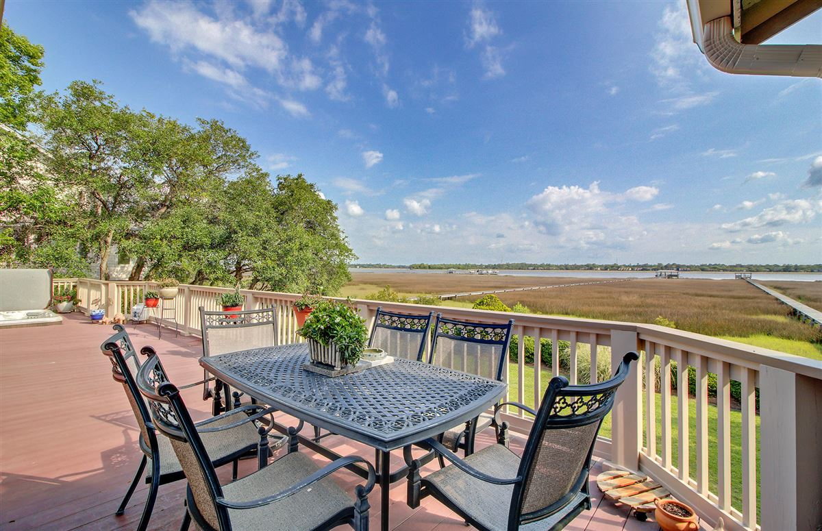 Luxury homes in Deepwater home on the stono river