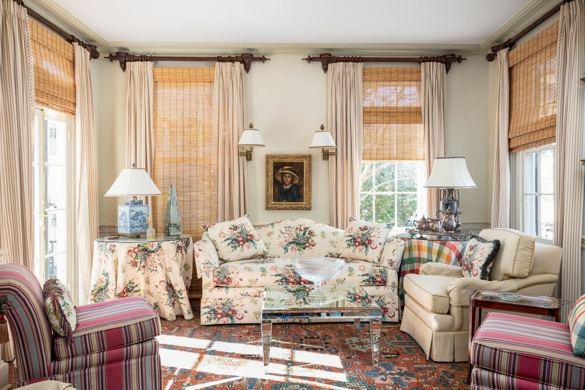 A true showcase from early 1800 luxury homes