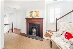 The Robert Finwick Giles House luxury properties