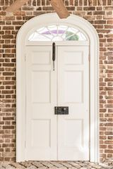 an elegant house in Charleston luxury real estate