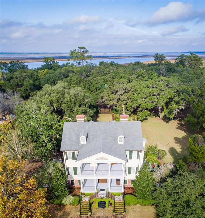 Mansions in  William Seabrook Home in South Carolina