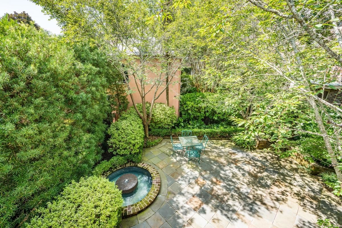 Luxury real estate chic compound in historic south of broad