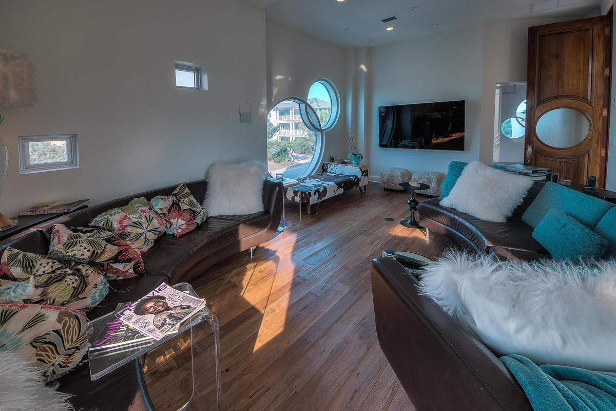 Casa Amore luxury homes