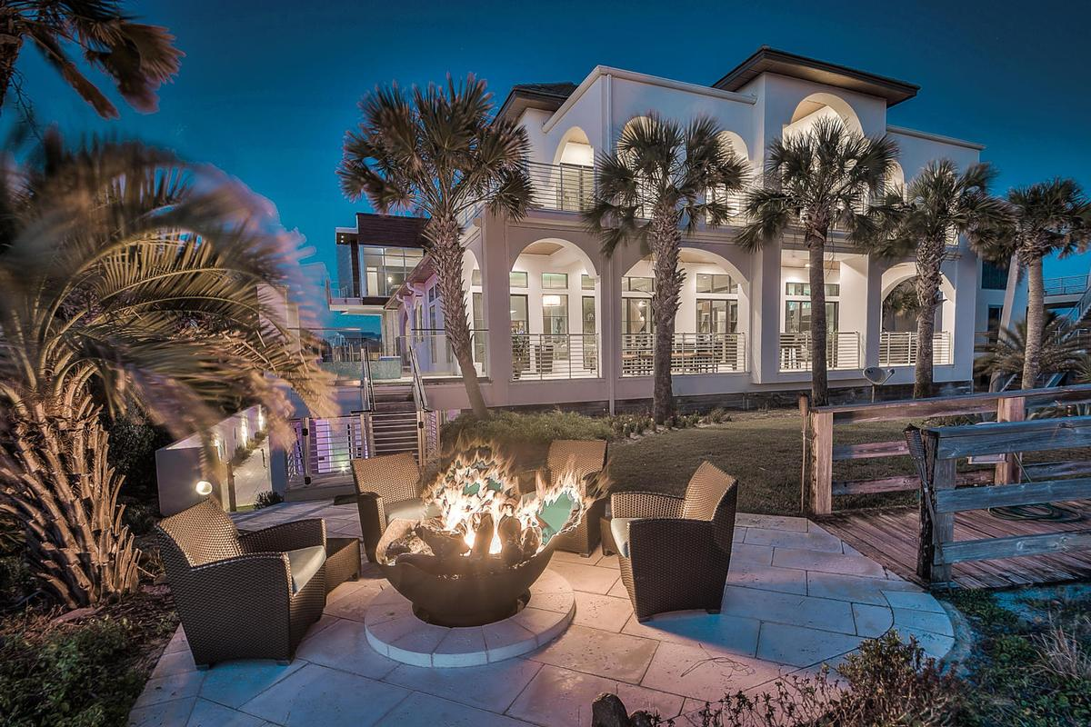 Luxury homes in Casa Amore