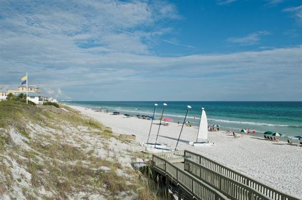 Luxury homes in gulf frontage in Rosemary Beach