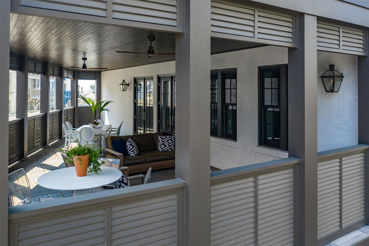 condo In the heart of Rosemary Beach luxury homes
