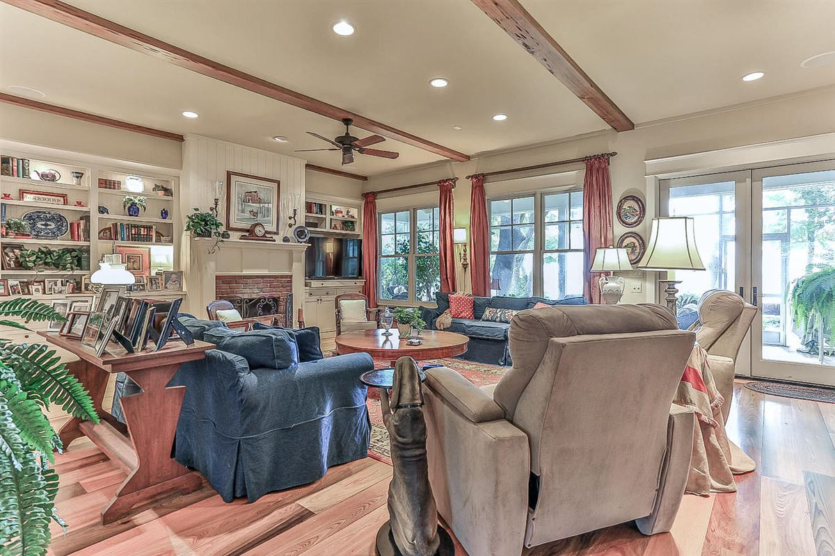 builders home on Choctawhatchee Bay luxury real estate
