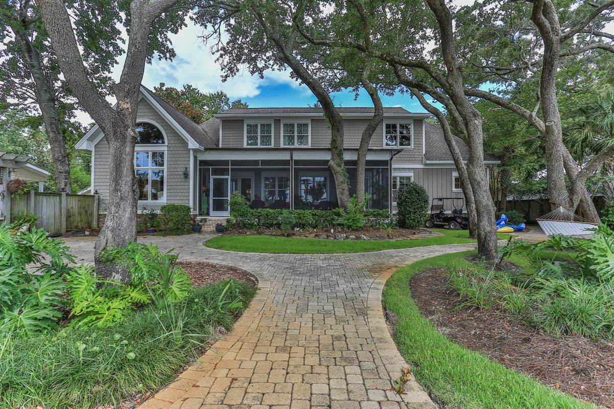 Luxury properties builders home on Choctawhatchee Bay