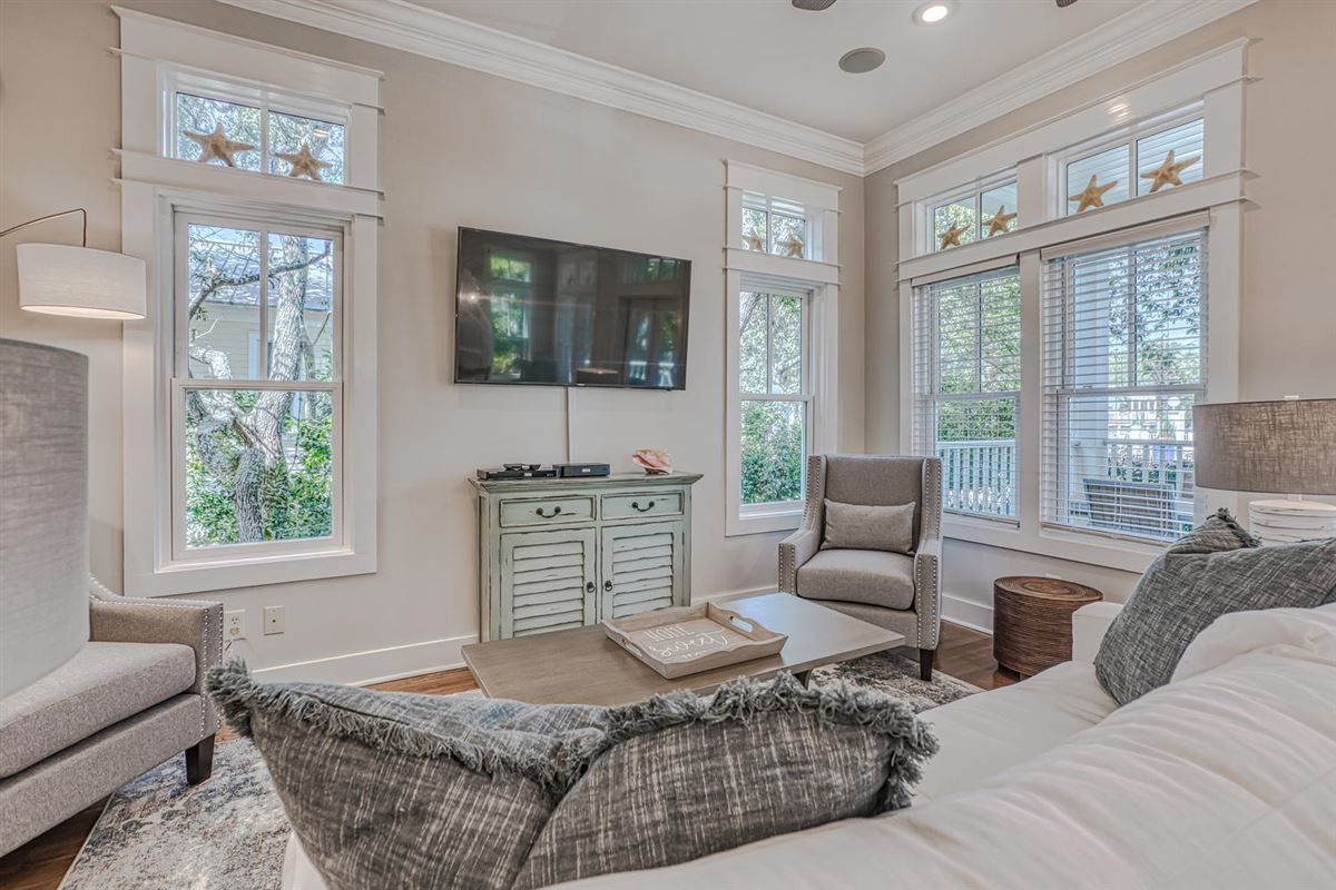 Luxury homes Far Far Away