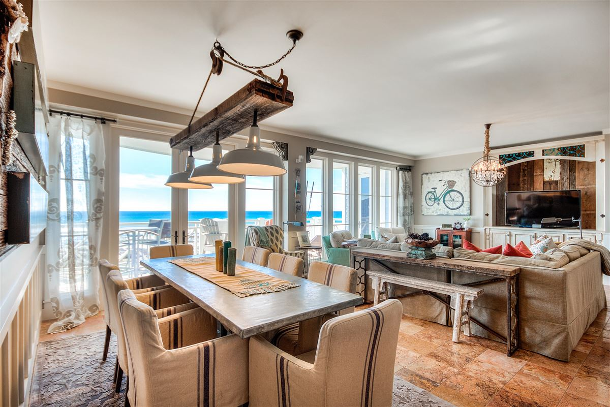 this Beautiful condo has amazing views of the Gulf mansions