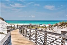Luxury properties this Beautiful condo has amazing views of the Gulf