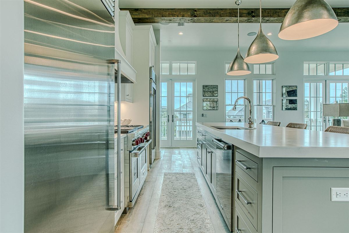 EXCEPTIONAL new home luxury properties
