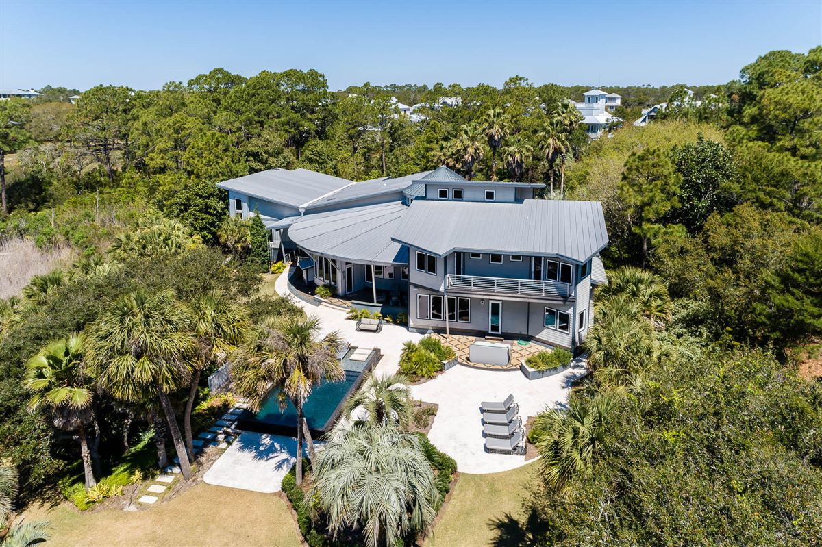 Mansions stunning modern home with unobstructed panoramic gulf views