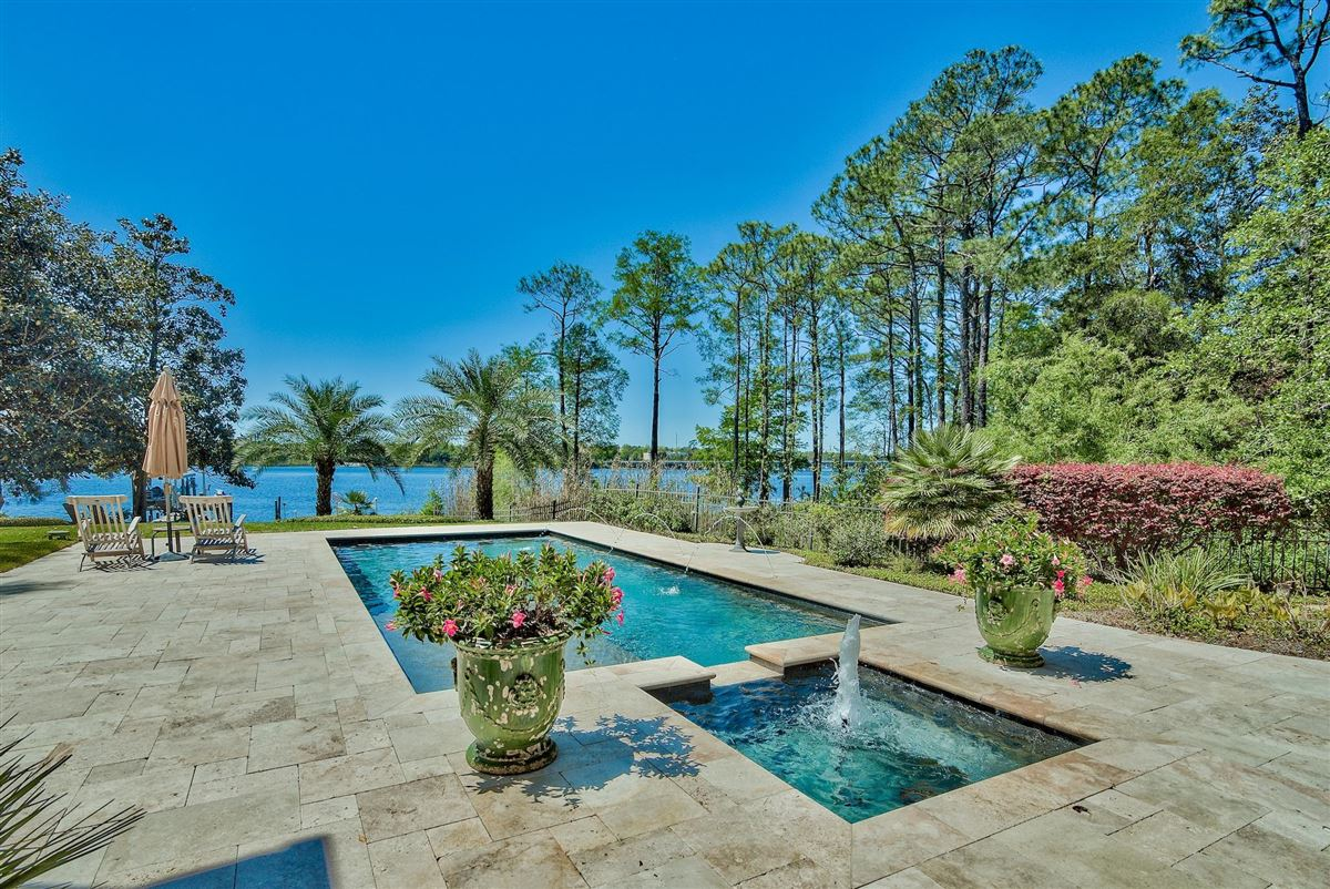 Exquisite Waterfront Luxury Home luxury real estate