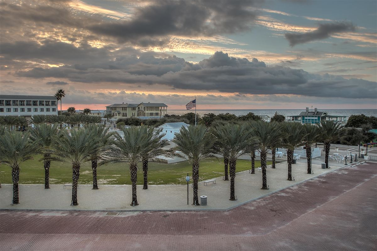 Luxury homes Luxury Seaside condo with Ampitheatre and Gulf views