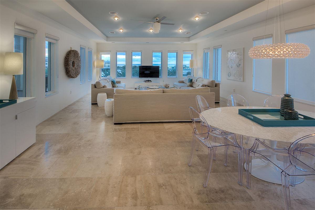 Luxury properties Luxury Seaside condo with Ampitheatre and Gulf views