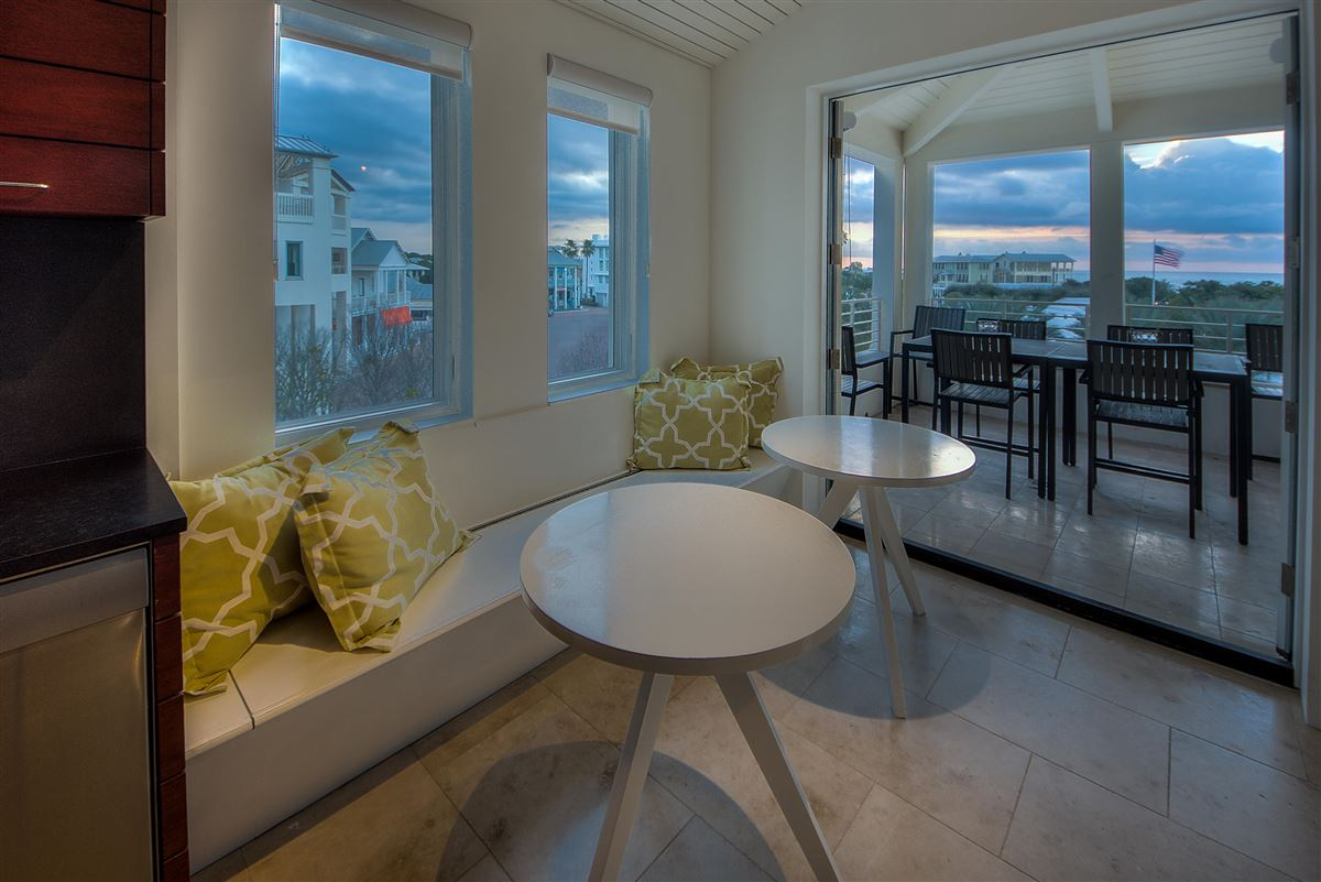 Luxury Seaside condo with Ampitheatre and Gulf views  mansions