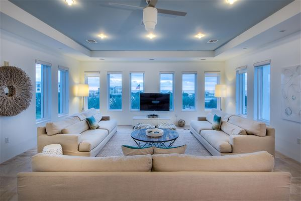 Luxury real estate Luxury Seaside condo with Ampitheatre and Gulf views