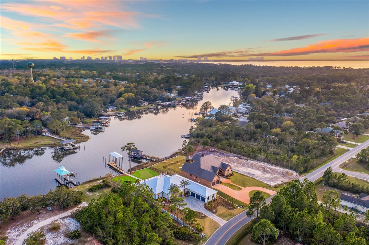 Luxury homes the perfect Waterfront Property