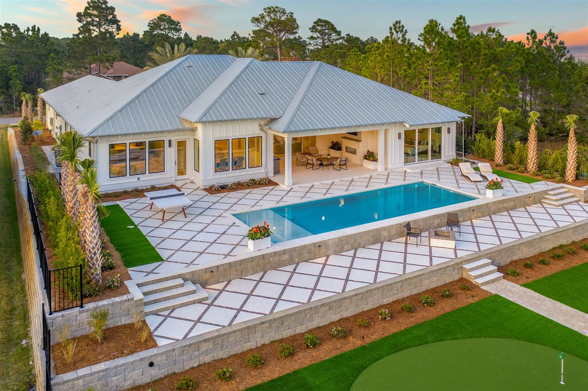 Luxury properties the perfect Waterfront Property