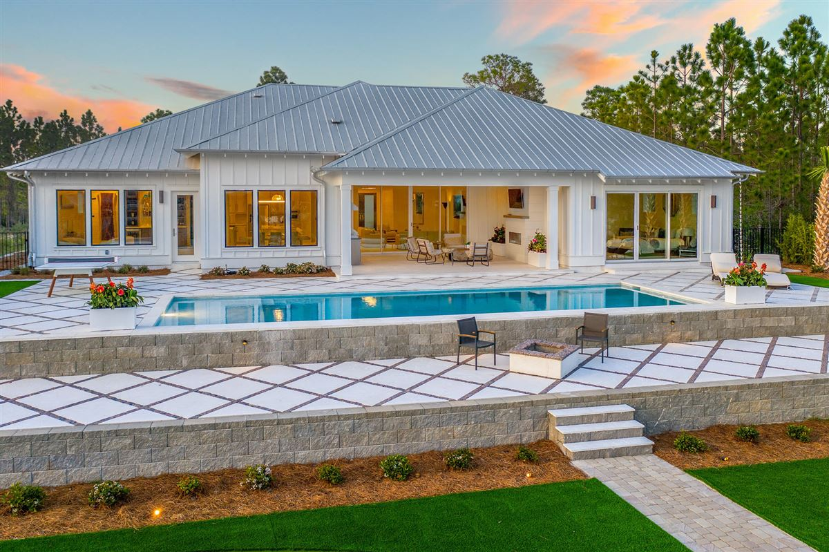 the perfect Waterfront Property luxury properties