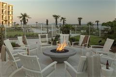 Luxury homes three bedroom unit with convenient gulf-front access