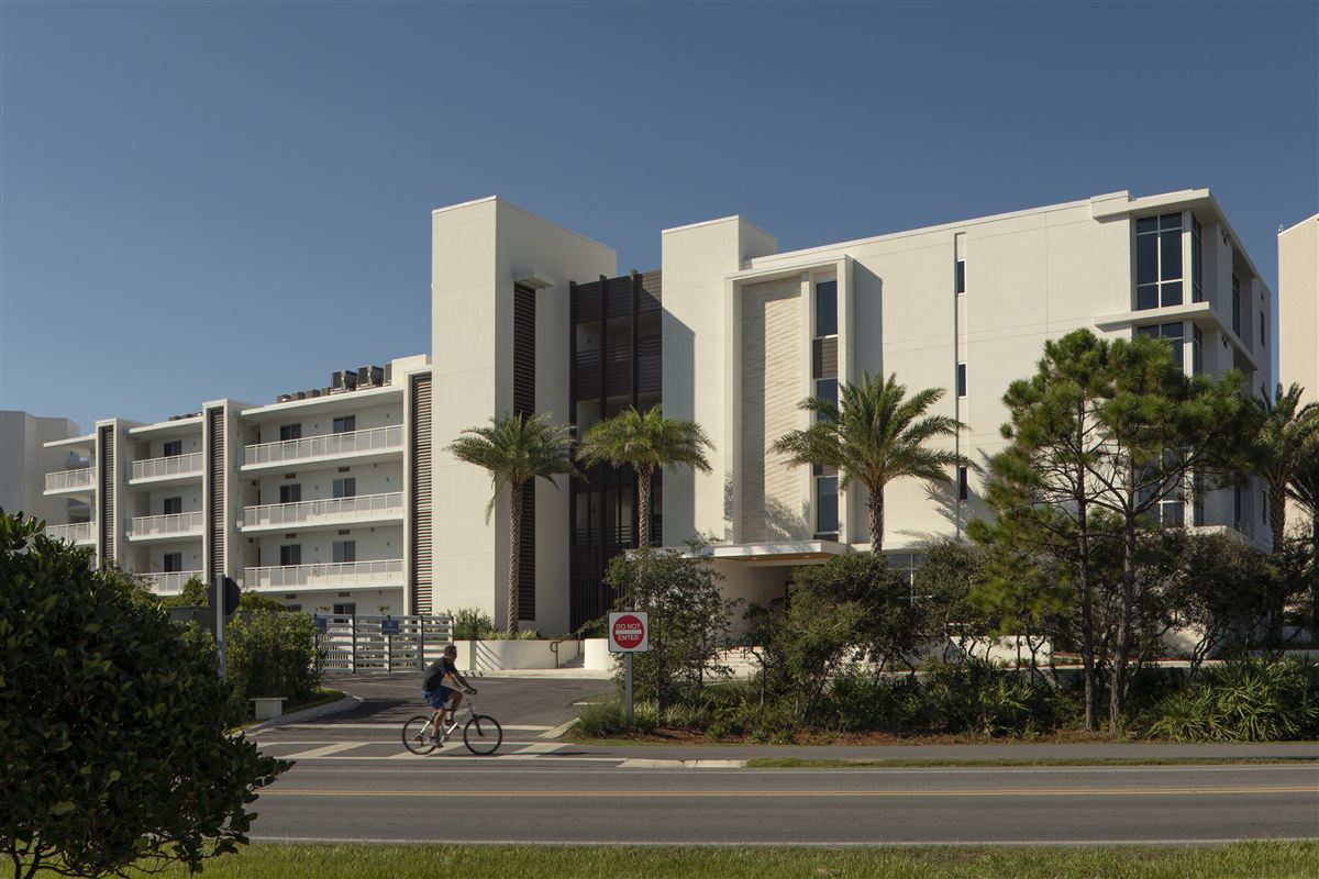 three bedroom unit with convenient gulf-front access mansions