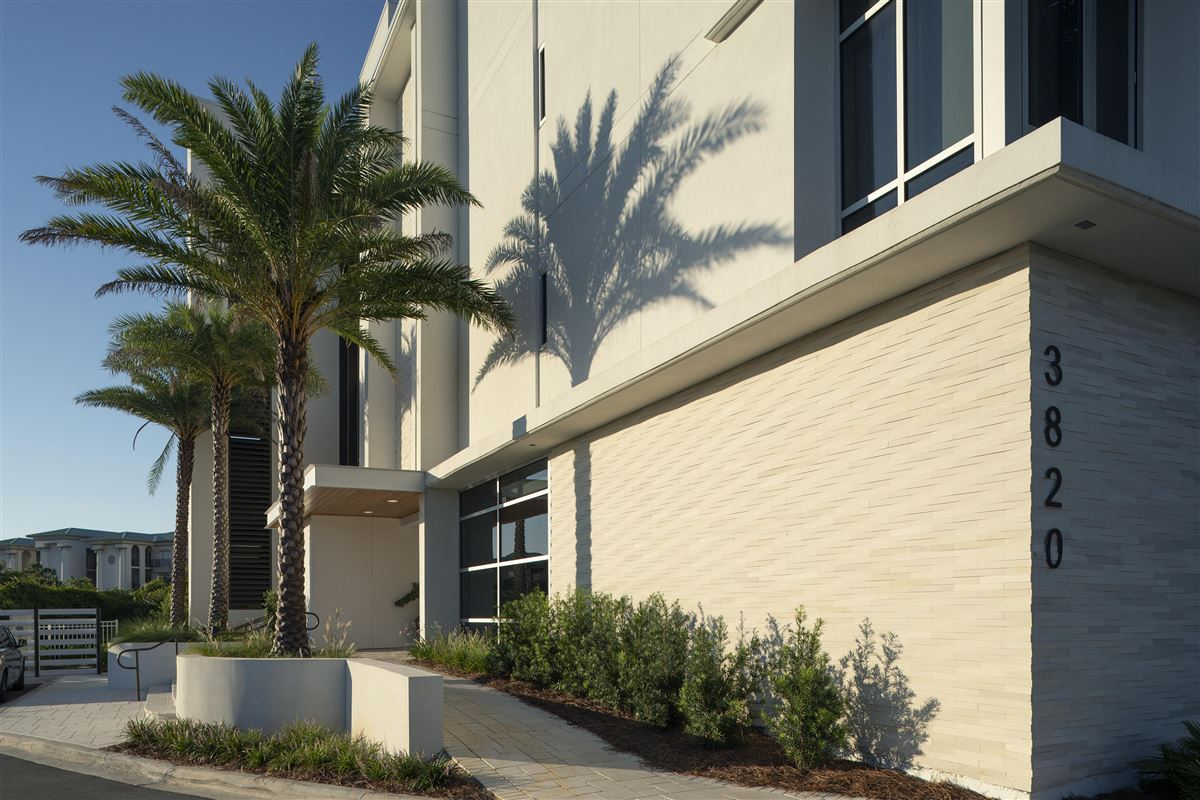 Luxury homes in three bedroom unit with convenient gulf-front access