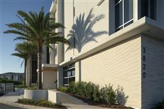 Luxury real estate three bedroom unit with convenient gulf-front access