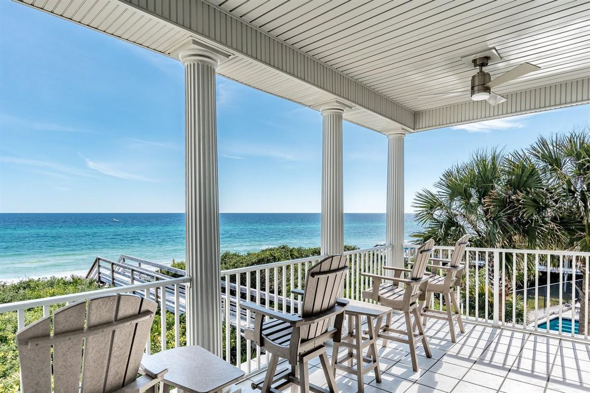 Luxury homes in the ultimate Beach experience