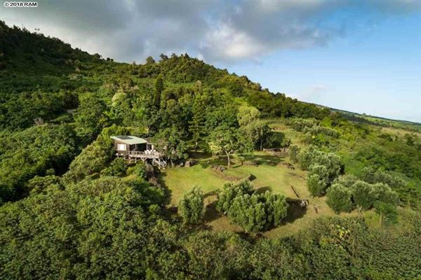 the most breathtaking views in kula mansions