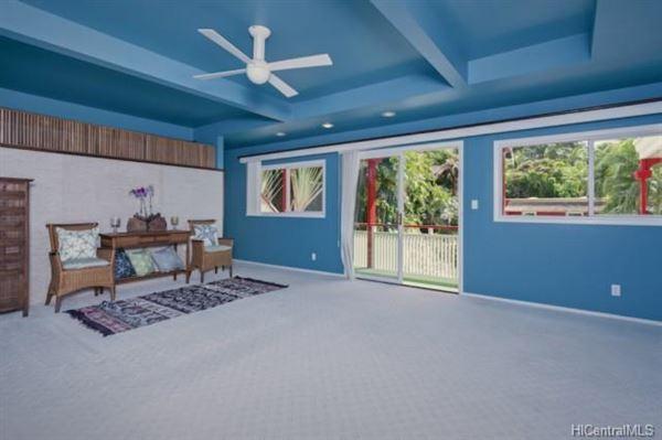 Luxury properties luxury Hawaiian home on an esteemed street
