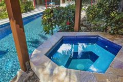 Luxury homes luxury Hawaiian home on an esteemed street