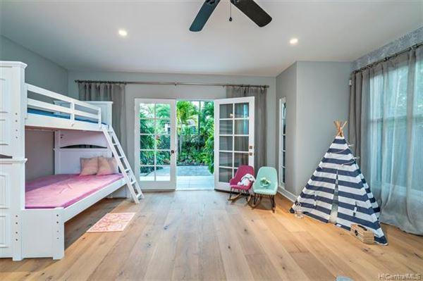 Luxury homes in magnificent  indoor-outdoor living