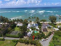 Luxury real estate beachfront paradise in Kawela Bay