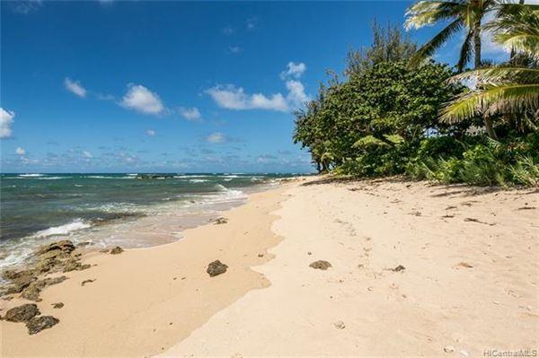 beachfront paradise in Kawela Bay luxury homes