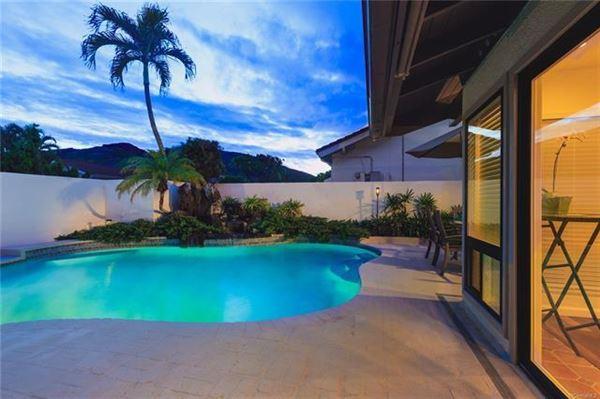ISLAND LIVING AT ITS BEST in honolulu luxury properties