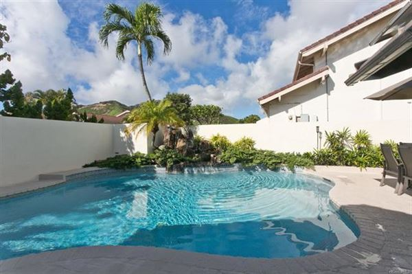 Luxury homes ISLAND LIVING AT ITS BEST in honolulu
