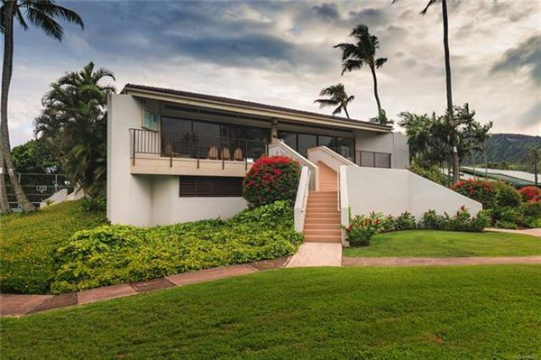 Luxury real estate ISLAND LIVING AT ITS BEST in honolulu
