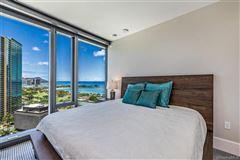 Mansions corner unit with fantastic views