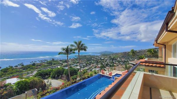 immaculate home with spectacular views mansions