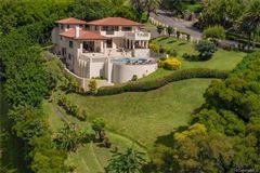 Mansions in beautiful hillside villa