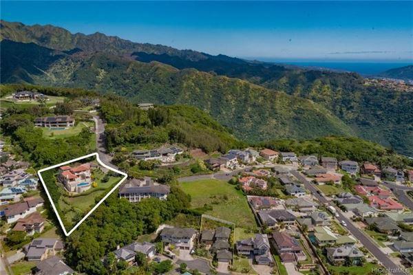 Luxury properties beautiful hillside villa