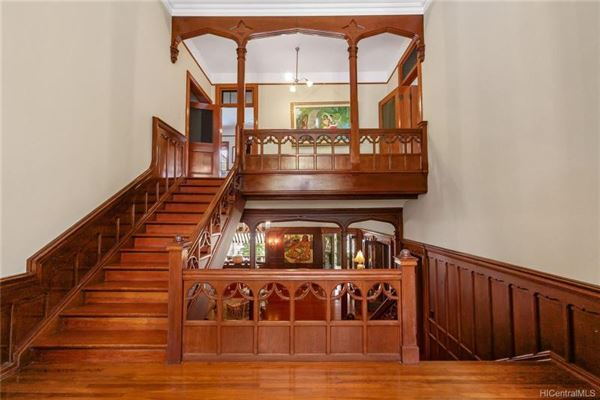 stately restored queen Anne - National Historic residence  luxury properties